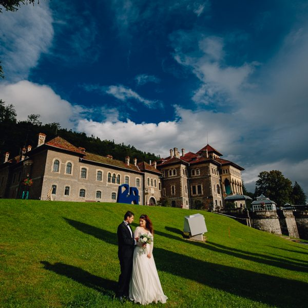 Alex & Emilia | Trash the dress – Castelul Cantacuzino Busteni